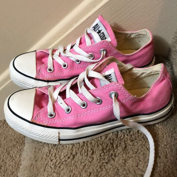 Women's pink Converse all star size 6